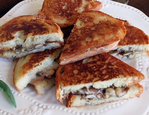 receita-sanduiche-cogumelos-queijo-gruyere-vegetariana-facil-harmoniza-vinho-tinto-branco