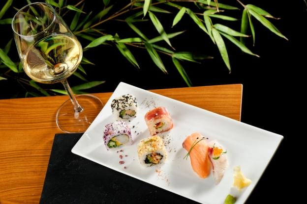 como harmonizar comida japonesa e vinho