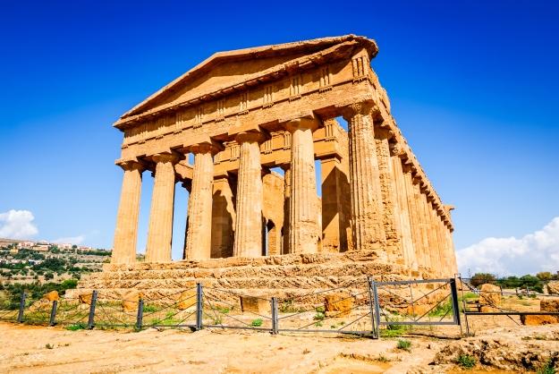 Agrigento na Sicília, possui um dos mais intactos templos gregos.