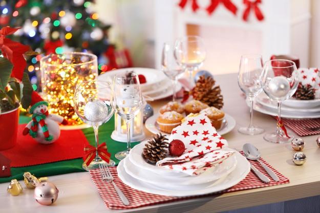 natal-ceia-mesa-posta-decoracao-luzes-vermelho-branco